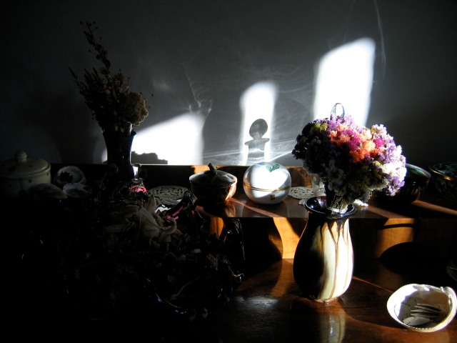 © Renate Egger. Licht und Schatten/Light and shadow, 2006. Installation, photography.