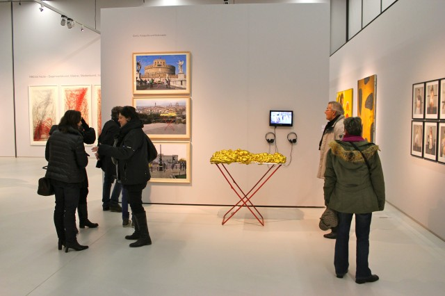 ©  Renate Egger, Wilhelm Roseneder. Goldene Erweiterung/Golden expansion. Street art project. London, Florenz, Rom.  Schnittpunkt Burgenland. Landesgalerie Burgenland. Eisenstadt, Austria 2012/2013