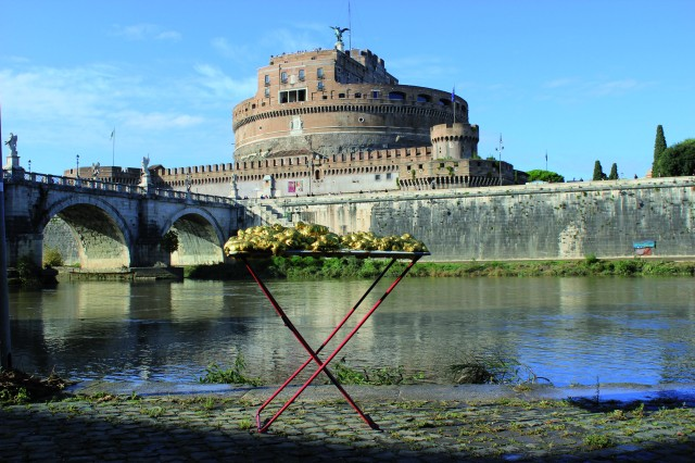 © Renate Egger and Wilhelm Roseneder. Goldene Erweiterung/Golden expansion. Street art project. Artist in Residence. Castel S`Angelo, Tiber. Rome, Italy 2011